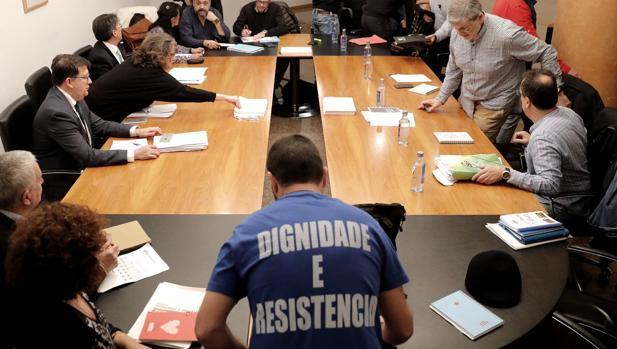 Imagen de la última reunión entre los sindicatos y la Xunta, en Santiago