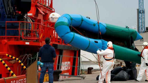 Una patera que fue rescatada el pasado 10 de marzo en el mar