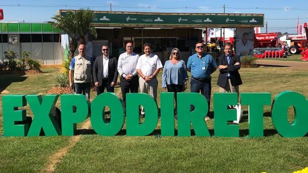Ibarra (c.) en Brasil, su último viaje como presidente de Puertos de Las Palmas