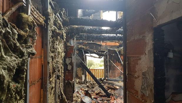 Estado en el que ha quedado el apartamento donde arrancó el incendio