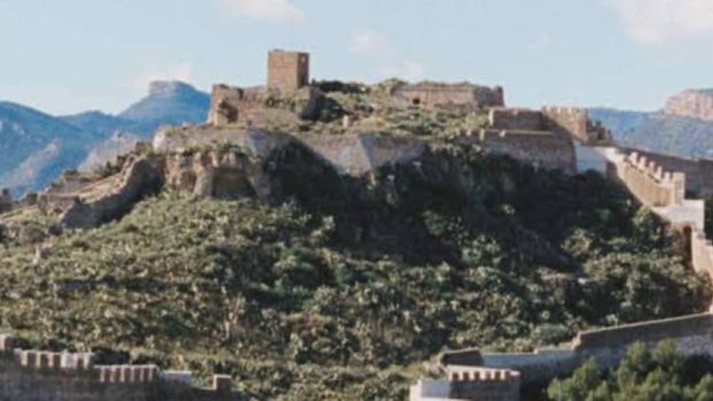 Rescatan en helicóptero a una mujer tras caer de la parte alta del castillo de Sagunto