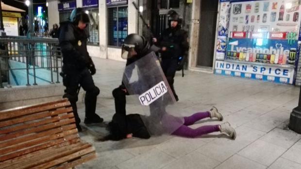Una joven española detenida tras los destrozos en la plaza Lavapiés