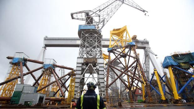 Imagen de las plataformas en los astilleros de Navantia en Fene
