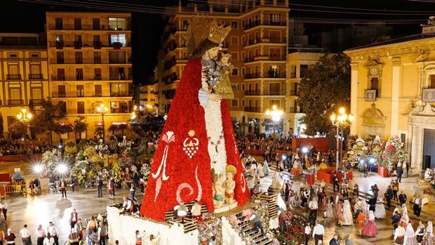 La Ofrenda a la Virgen de los Desamparados de Valencia