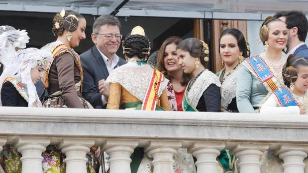 Puig ha vuelto a estar en el balcón del Ayuntamiento de Valencia este lunes, durante la mascletà