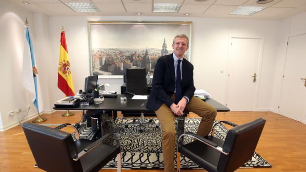 El vicepresidente de la Xunta, Alfonso Rueda, en su despacho en San Caetano