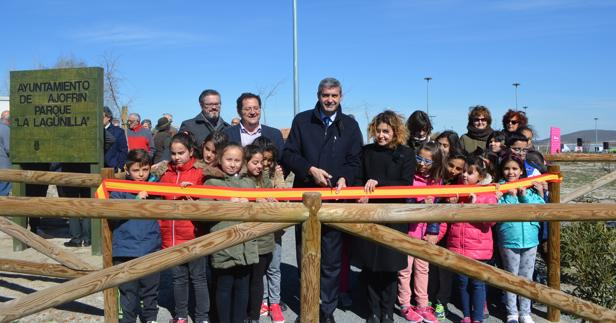 Álvaro Gutiérrez y Marisa Alguacil durante la inauguración del parque