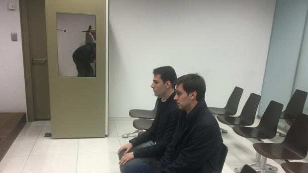 Hemeroteca: Condenan a dos jóvenes por patear a una mujer y grabarlo en vídeo | Autor del artículo: Finanzas.com