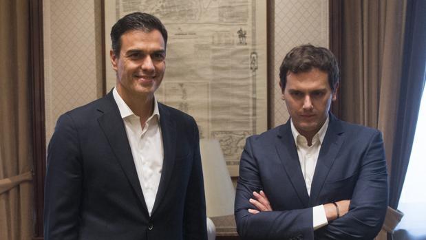 Sánchez y Rivera en su última reunión pública, en junio de 2017