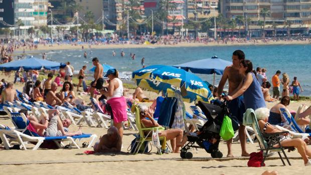Imagen de archivo de las playas de Benidorm