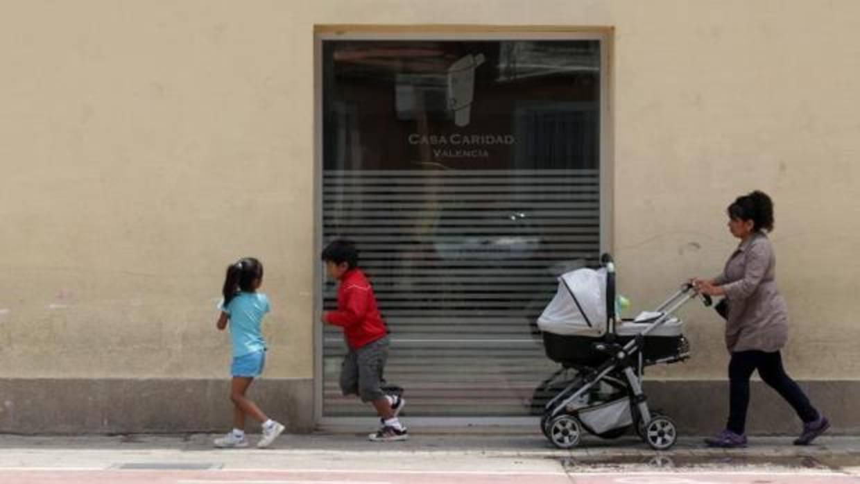 Expertos alertan de que 450.000 familias sufren pobreza extrema en la Comunidad Valenciana
