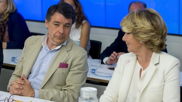 Ignacio González y Esperanza Aguirre, en una foto tomada en el año 2015 en la sede del PP