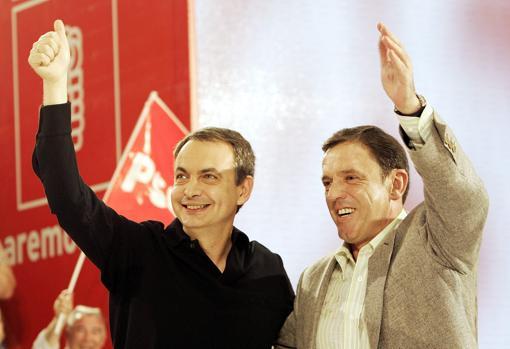 Imagen de José Luis Rodríguez Zapatero y Joan Ignasi Pla en un mitin en 2007