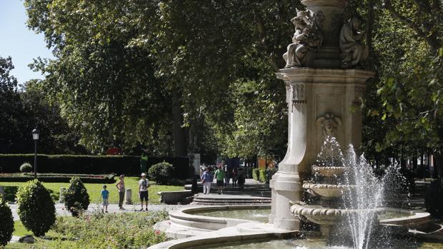 Aspecto del paseo del Prado, que pugna por ser declarado patrimonio de la Humanidad por la UNESCO