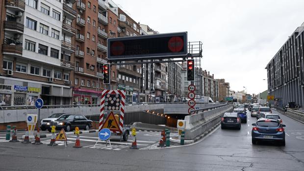 El túnel de Sor Ángela de la Cruz, mientras estaba cerrado totalmente al tráfico