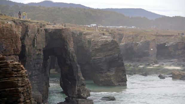 playa de las catedrales cerrada