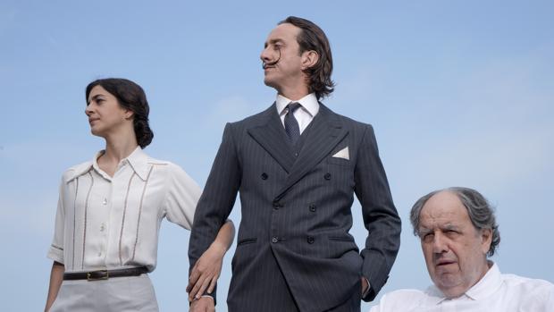 Eulàlia Ballart, Joan Carreras y Josep Maria Pou, en un momento de la película
