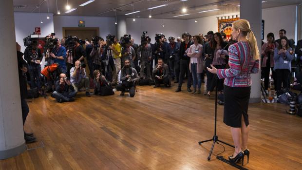 Cristina Cifuentes, en la comparecencia ante los medios de comunicación que tuvo lugar tras la celebración del pleno