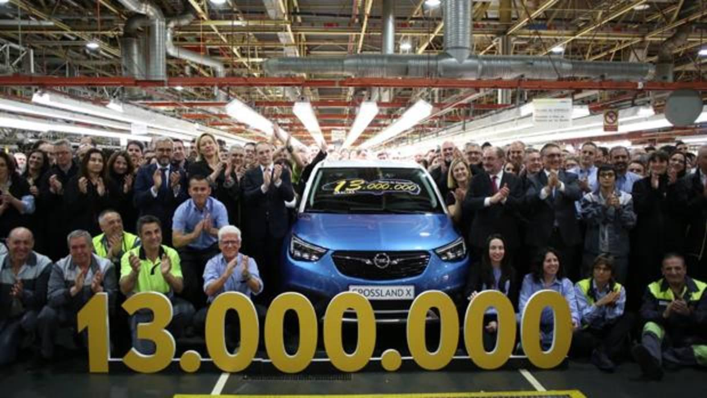 Opel ampliará la plantilla de su fábrica de Figueruelas