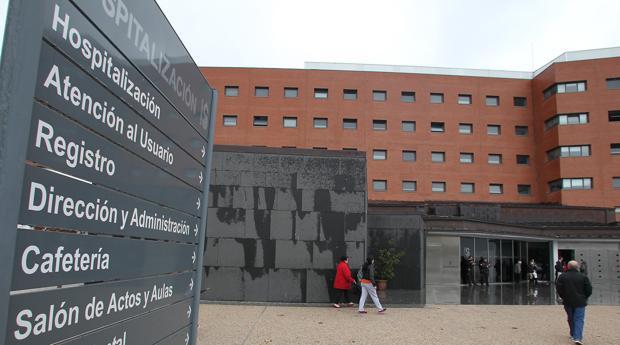 El hombre apuñalado por su mujer sigue ingresado en el hospital de Ciudad Real