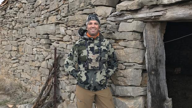 Donald Trump Jr., en una vieja cabaña de piedra en los Puertos de Beceite (Teruel)