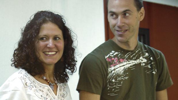 Los etarras Sara Majarenas y Mikel Orbegozo, detenidos el 17 de febrero de 2005 en una pensión de Valencia