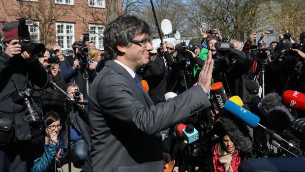 Carles Puigdemont, tras salir de la prisión alemana