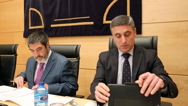 El director general de la Fundación Caja Burgos, Rafael Barbero, junto a Mitadiel