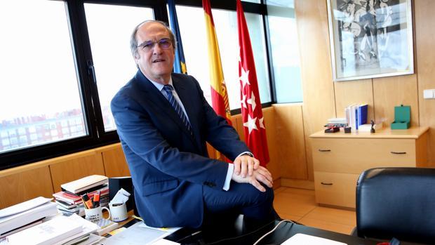 Ángel Gabilondo, portavoz del PSOE, en su despacho de la Asamblea de Madrid