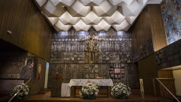 Interior de la Parroquia Santísimo Redentor, en Chamartín