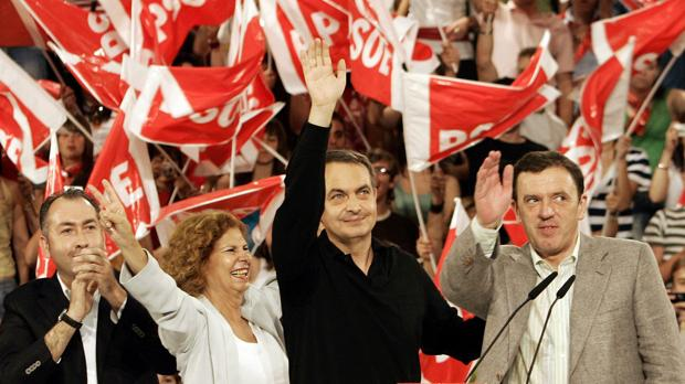 José Luis Rodríguez Zapatero y Joan Ignasi Pla, en un mitin del PSOE en 2007