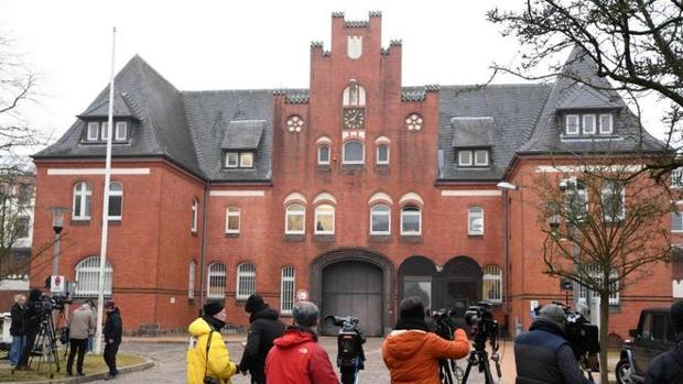 Fachada de la prisión alemana en la que estuvo recluido durante diez días el expresidente Puigdemont