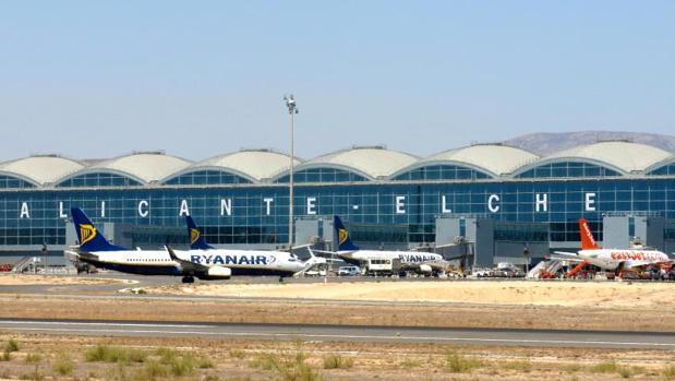 Vista panorámica del aeropuerto de El Altet