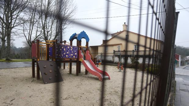 Zona de juegos en un parque infantil