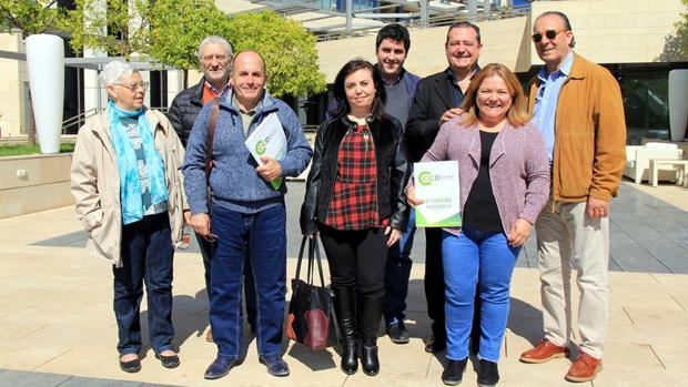 Reunión de representantes de CCD y Unión Centristas en Murcia el pasado domingo, 15 de abril