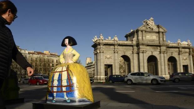«Menina Secreta» de Lorenzo Caprile en la Puerta de Alcalá