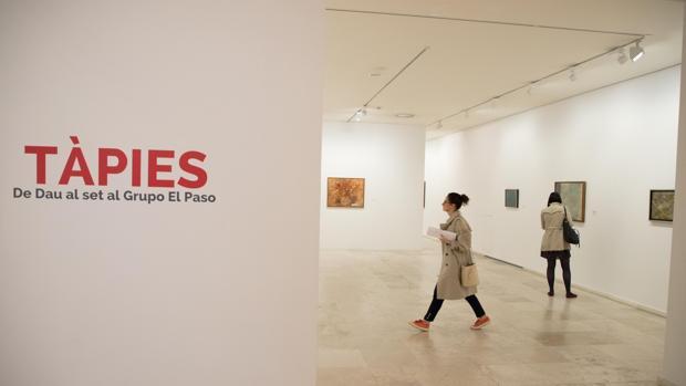 Exposición «Tápies. De Dau al set al Grupo El Paso» en el Patio Herreriano de Valladolid