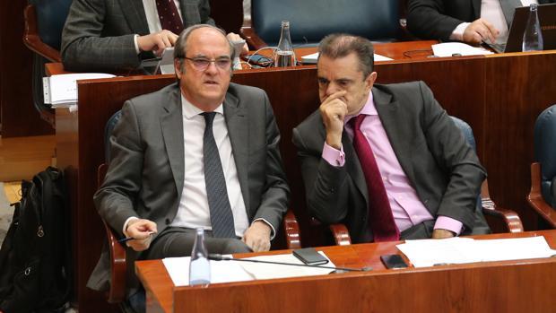 Ángel Gabilondo (izq.) y José Manuel Franco, en la Asamblea de Madrid