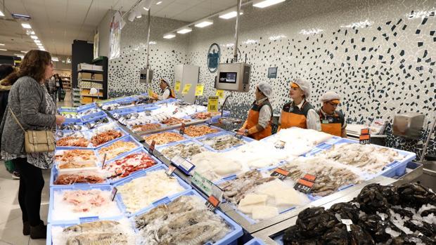 Imagen de la sección de pescadería de un supermercado de Mercadona