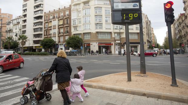 Las temperaturas oscilarán en Valencia entre los 17 y los 19 grados de máxima este viernes