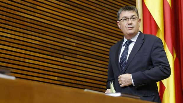 El asesor del presidente de las Cortes Valencianas se aparta temporalmente por la financiación del Bloc