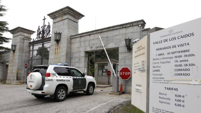 Patrimonio Nacional impide a las familias seguir los trabajos de exhumación en el Valle de los Caídos