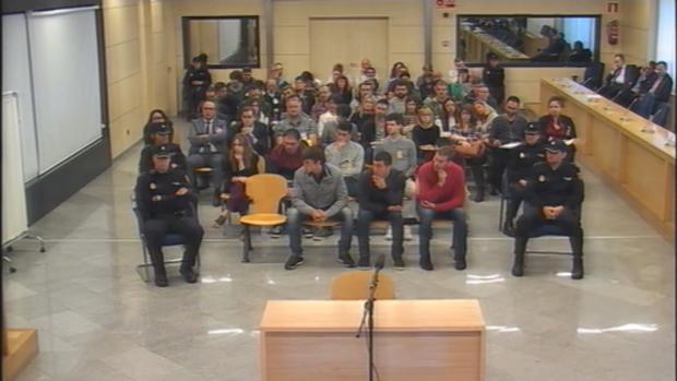 Una imagen de los acusados en el banquillo, durante el juicio por la agresión de Alsasua
