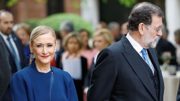 Mariano Rajoy, junto a la expresidenta de la Comunidad de Madrid, Cristina Cifuentes
