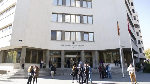 Entrada principal de los Juzgados de Plaza de Castilla