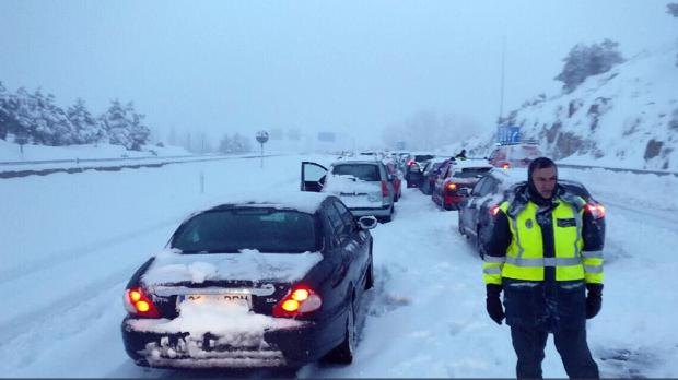 Hemeroteca: Fomento sanciona a Abertis con 1.200 euros por el caos de la nieve de la AP-6 | Autor del artículo: Finanzas.com