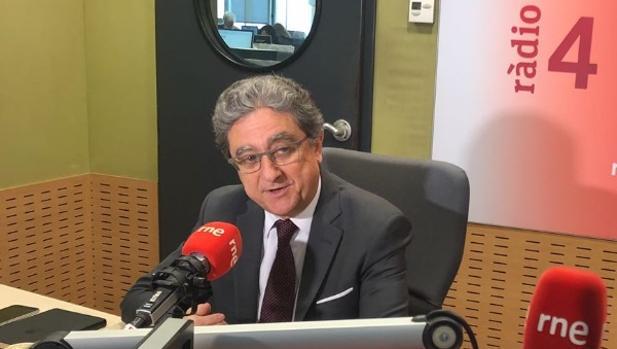 Enric Millo en los estudios de Ràdio 4 este miércoles en Barcelona
