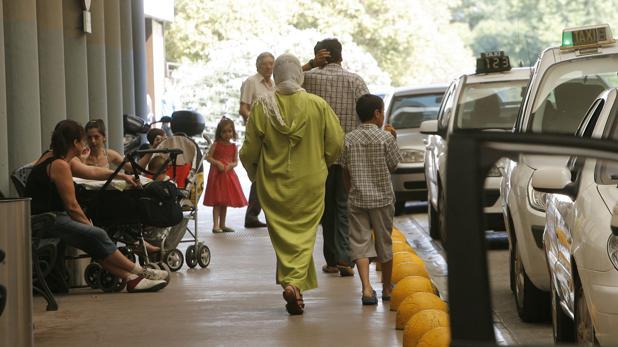 La reforma sanitaria de 2012 excluyó a los inmigrantes de la cobertura sanitaria pública