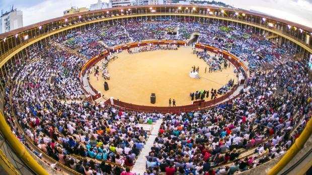 Plaza de Toros de Alicante, donde tuvo lugar la lección y récord Guinness