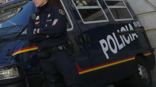 La Policía protege a la madre mientras sigue buscando a su hijo